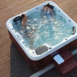 6-seat Hot tub Virgin