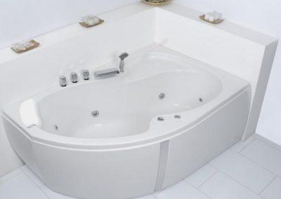 Unica Corner Whirlpool Bath 1