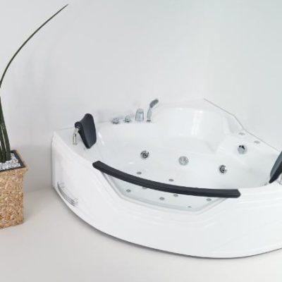 Iride corner Whirlpool bathtub