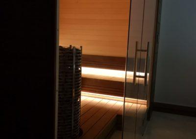 Sauna and pool Dubai 4