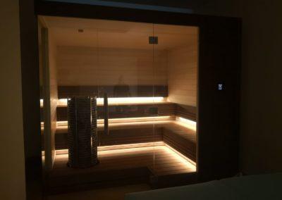 Sauna and pool Dubai 7